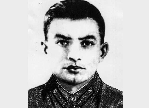 Как чеченец Ханпаша Нурадилов из пулемета уничтожил более 920 немецких солдат, 7 пулемётных расчетов