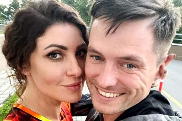 Церковь осудила венчание Анастасии Макеевой с мужем
