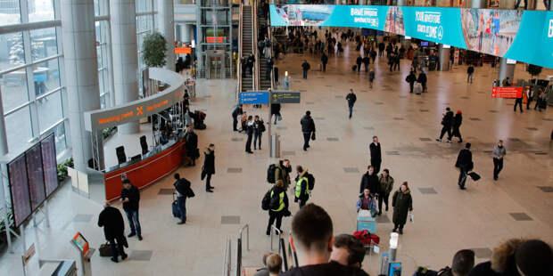 Иностранцев в российских аэропортах будут выборочно тестировать на COVID-19