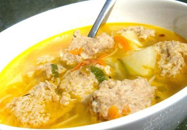 Суп с рыбными фрикадельками и рисом