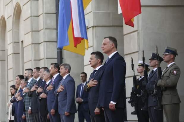 Президент Черногории назвал позором отношение Польши к России