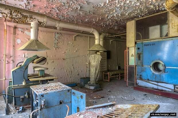 Заброшенный моторный завод в Волгограде.