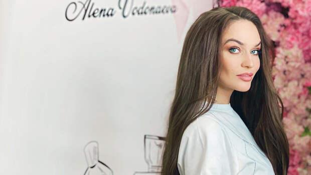 """Звезда """"Дома-2"""" Водонаева попала в больницу с симптомами инсульта"""