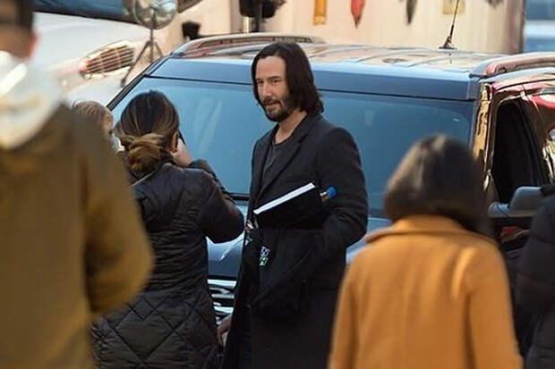 Киану Ривза застали засъёмками в новой «Матрице»