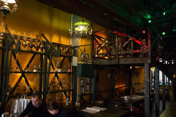 Ресторан-музей Керосиновая лампа во Львове