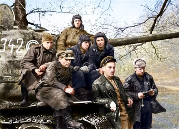 Победители! Бойцы и командиры 7‑го Гвардейского танкового корпуса. Берлин. Весна 1945 года