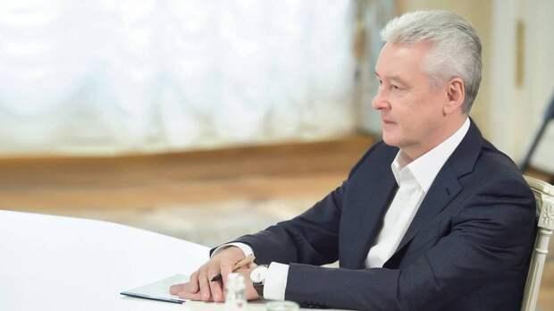 Собянин заявил, что москвичам еще долго придется посещать театры и музеи по QR-кодам