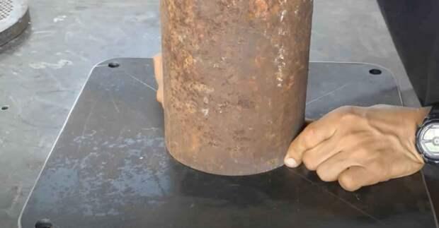 Подставка для слесарных тисков + рабочий столик
