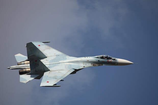 """Су-27 вылетал на """"перехват"""" бомбардировщиков США над Балтикой"""