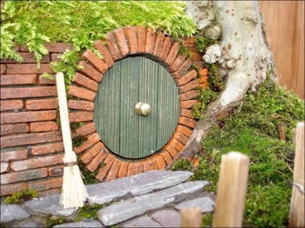 Сделайте вместе с детьми: домик хоббита на даче