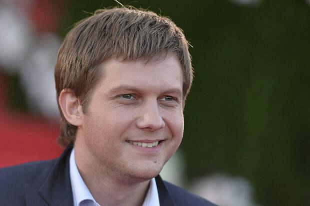 Зрители осудили Корчевникова заприглашение Максаковой