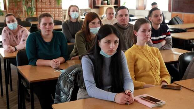 В медакадемии состоялась очередная встреча студентов и руководителей медицинских организаций