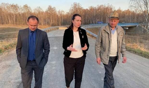 Оксана Фадина посетила Колосовский иБольшеуковский районы