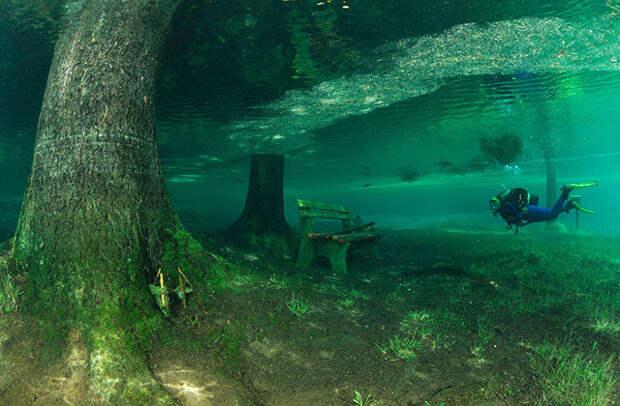 Австрийское горное озеро стало магнитом для дайверов и туристов, Грюнер Зе