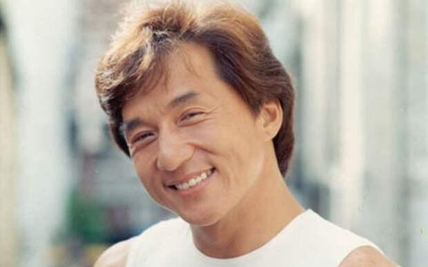 Джеки Чан в молодости. / Фото: www.mignews.com.ua
