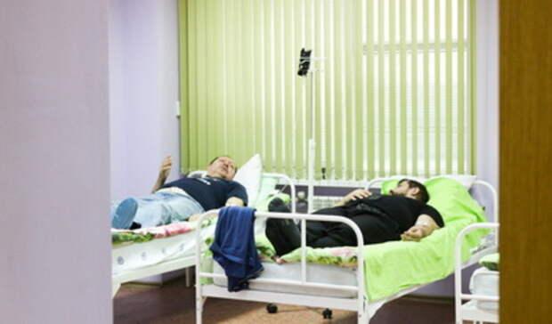 Доставленный саппендицитом пациент больницы выпал изокна иумер вЕкатеринбурге