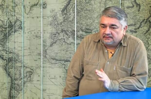 Ростислав Ищенко: Лукашенко может не оставить России выбора, и Кремль введет войска