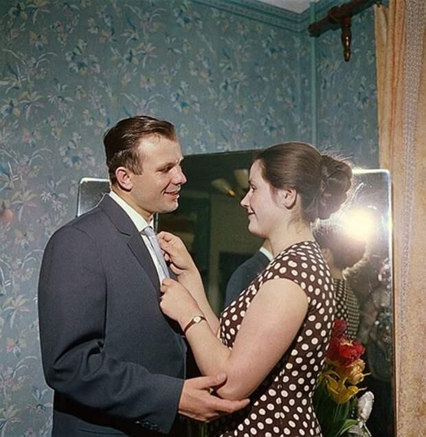 Кем на самом деле была жена первого летчика-космонавта