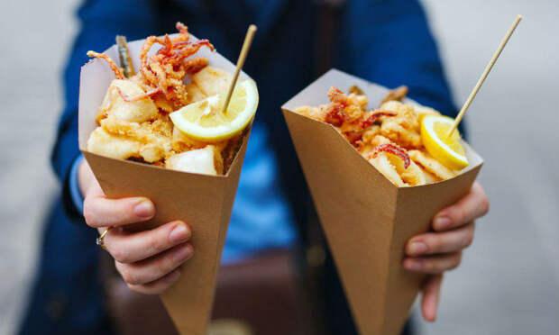 Чем кормят курортников на улицах Сочи