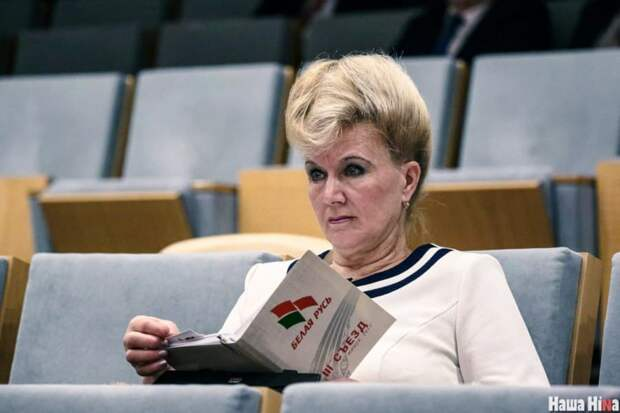 Новые декорации Лукашенко: «Ябатьки», карманные змагары и русофилы