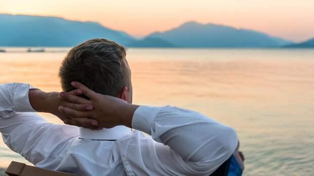 Современный мужчина меньше любит деньги и проще меняет женщин: мнение психолога