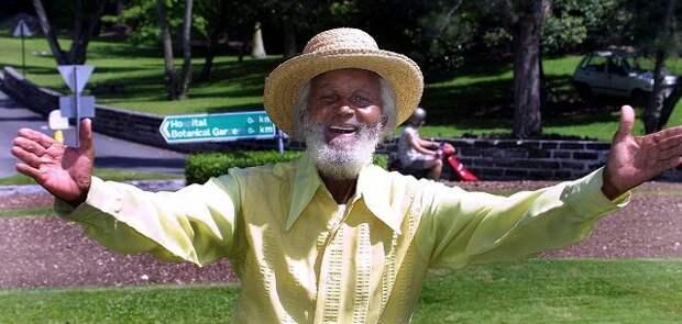7. Джонни Барнс (Бермудские острова)  пенсионеры, хобби