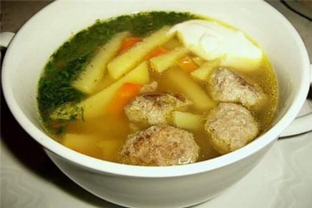 Картофельный суп с фрикадельками в мультиварке