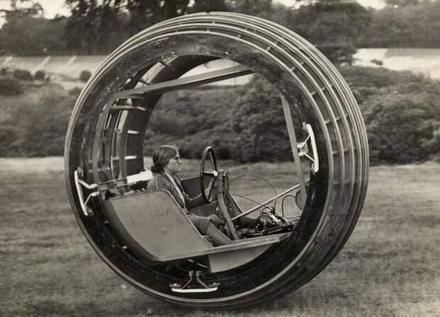 "Женщина за рулем экспериментального моноцикла ""Dynasphere"". Англия, 1931. история, ретро, фото"