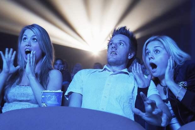 Ученые объяснили почему люди любят смотреть фильмы ужасов