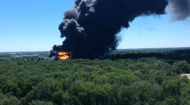 В США второй день горит химический завод