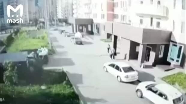 Жителя Домодедова придавила собственная машина