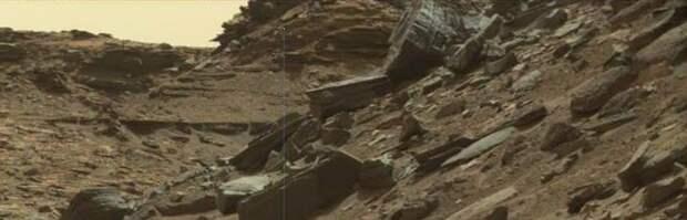 """На фото с Марса снова нашли """"часть механизма"""""""