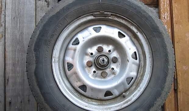 Сделал балансировочный станок для колёс своими руками за 1000 рублей. Теперь можно экономить годами