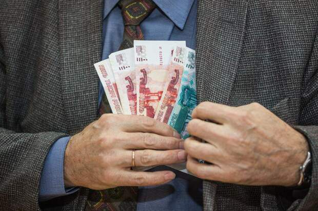 Красноярский чиновник попался на взятке