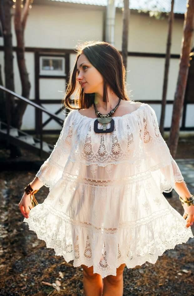 15 прекрасных примеров как носить ажурное платье, чтобы подчеркнуть женственность