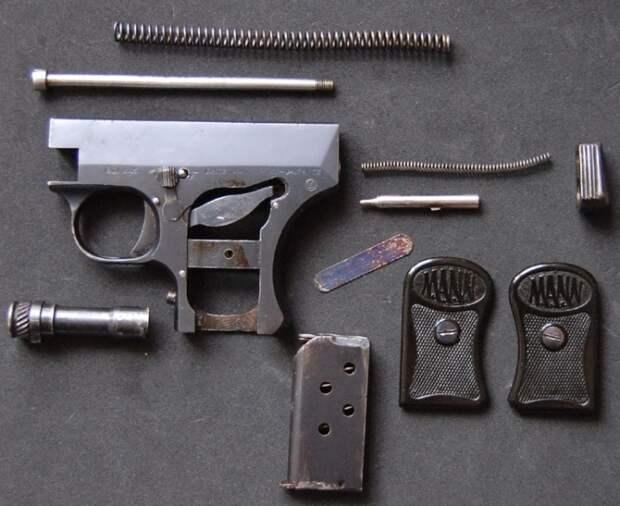 Пистолет достаточно легко разбирался.  Фото: ya.ru.