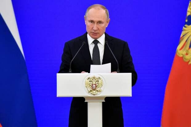 Путин: «Отстранение России носит политический оттенок. Мыделаем все, чтобы спорт был чистым»