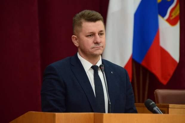 Горсовет Симферополя принял отставку Проценко