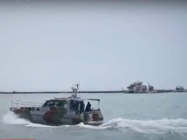 Сторожевые суда РФ перехватили у Крыма военные корабли США и Украины