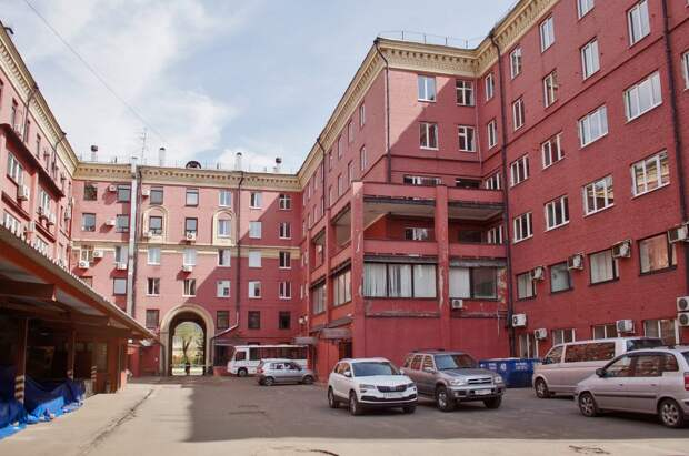 Общежитие РТФ и Интеркорпус / Фото: Евгений Чесноков