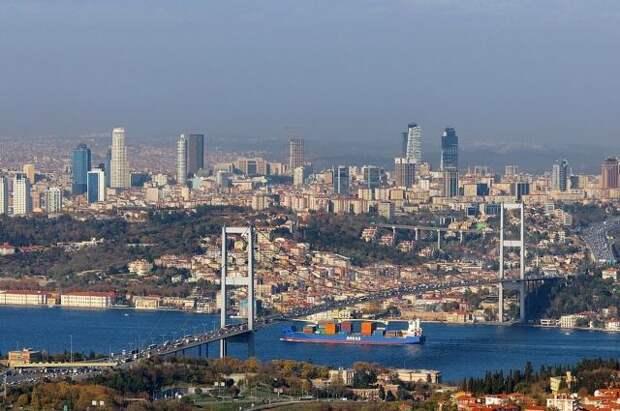 ЧП с танкером привело к остановке движения через Босфор