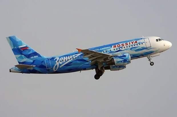 Самолет «Зенита» попал встаю птиц исовершил аварийную посадку