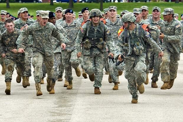 Более 30 процентов американских военных отказываются делать прививки от коронавируса