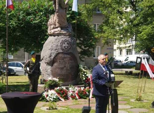 В Хелме, недалеко от границы с Украиной, вице-премьер Яцек Сасин объявил об учреждении Института правды и памяти им. Леха Качиньского и Музея жертв Волыни.