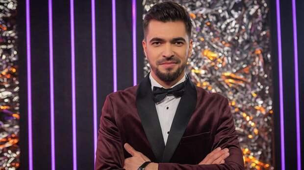 Ведущий Вячеслав Макаров обратился к поклонникам после финала шоу «Маска»