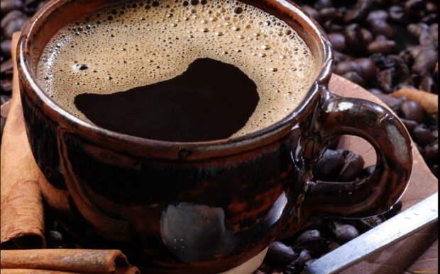 Ученые назвали часы, когда кофе наиболее эффективнен, и когда бесполезен