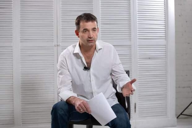 Дмитрий Певцов выступил за чистый русский язык в государственных СМИ