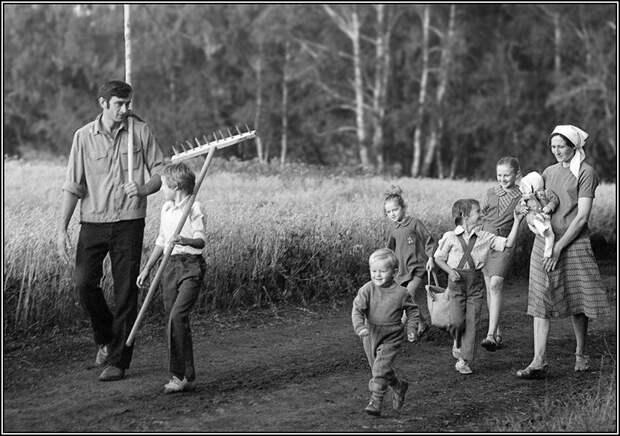 ФОТОВЫСТАВКА. Владимир Ролов. Ушедшая эпоха