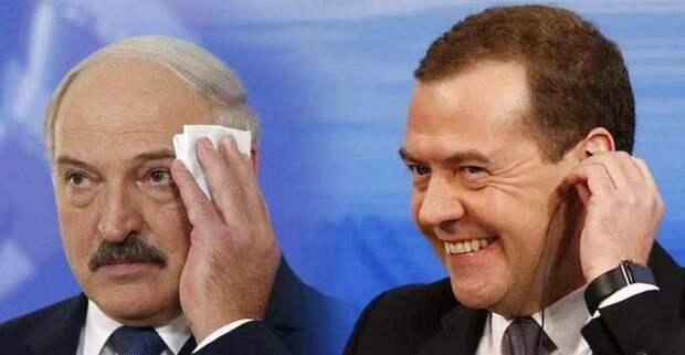 «Путин простить может, а Медведев никогда»: Лукашенко надо готовиться к худшему