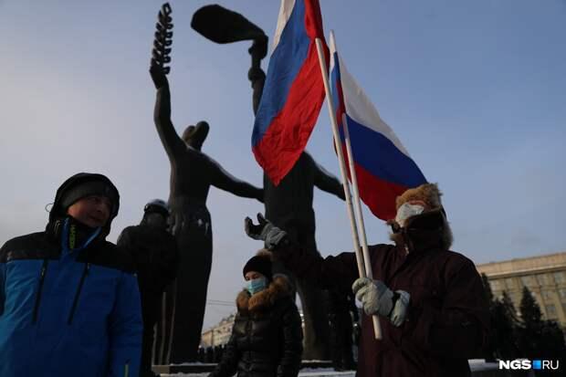 «Как до Пекина задом ползком»: губернатор НСО эмоционально высказался о Навальном и митингах. Дословный монолог